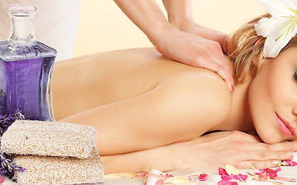 Uvolňující levandulová masáž zad a šíje v délce 45 minut