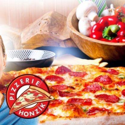 Milovníci pizzy POZOR! Pouhých 139 Kč za DVĚ výtečné PIZZY dle VAŠEHO VÝBĚRU o průměru 32 cm v Pizzerii Honzík! Vybrat si budete moci ze 36 druhů pizz se slevou 46%!