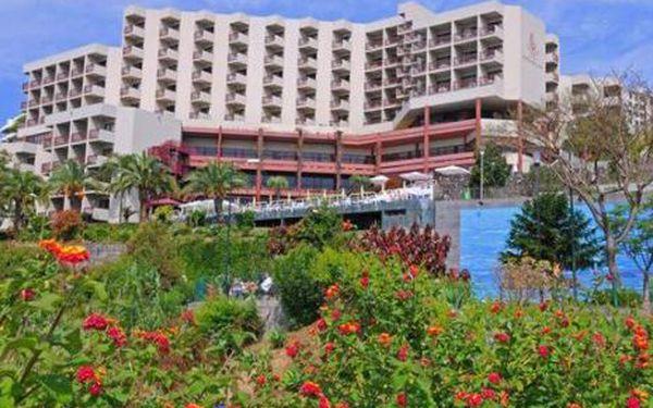Madeira, oblast Funchal, snídaně, ubytování v 4* hotelu na 8 dní