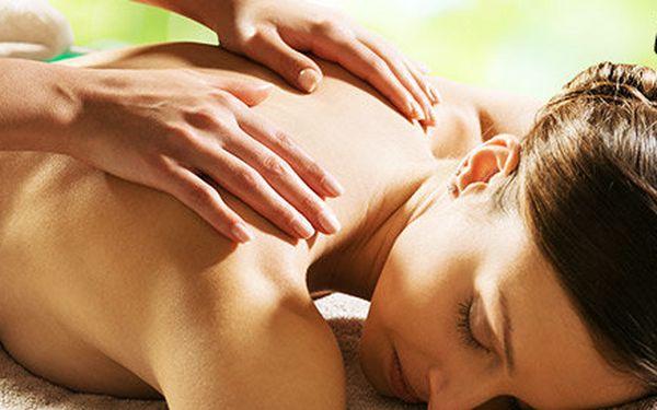 30min uvolňující masáž zádového svalstva