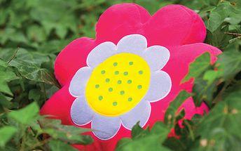 Plyšová květina rozjasní barvami dětský pokojíček a stane se oblíbeným mazlíkem