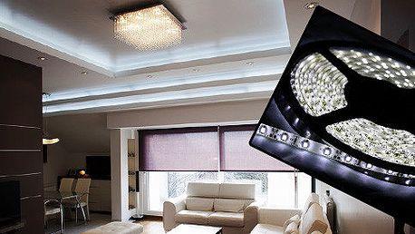 Svítící LED pásek do interiérů i exteriérů včetně adaptéru