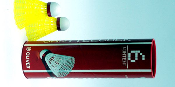 Velké balení závodních badmintonových míčků OLIVER za jedinečnou cenu