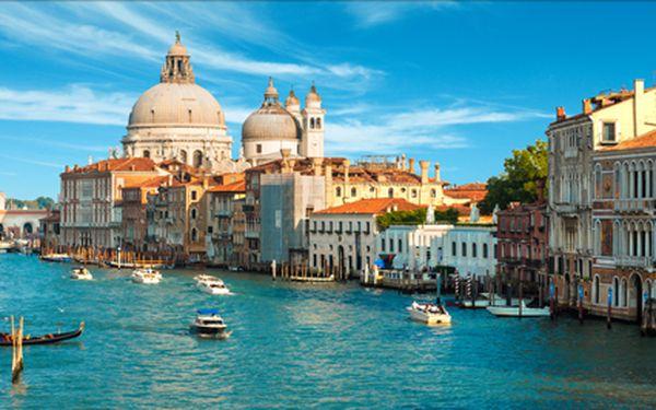 Romantické Benátky v letních termínech s výletem lodí na ostrovy Muráno a Lido. Objevte kouzlo barevných ostrovů.