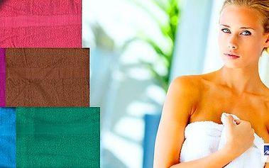 Zahalte se po koupeli do pravé české velké osušky ze 100% bavlny. Je extra savá a vybírat můžete z několika krásných barev! Určitě se vám bude hodit i na dovolenou u vody.