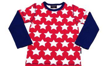 Dvouvrstvé červené tričko s hvězdami