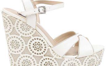 Dámské bílé boty na vysokém vzorovaném klínu Arezzo