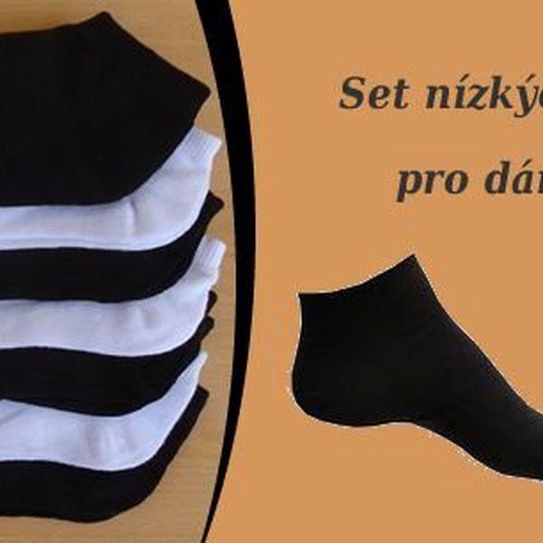 Sada 9 párů ponožek ve variantě pro ženy i muže, ponožky jsou celobarevnébez dekoru a hodí se tak k variabilnímu nošení.