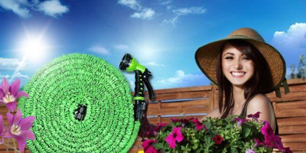 Extrémně pevná ZAHRADNÍ ELASTICKÁ HADICE v délce 23, 30 nebo 46 metrů včetně sedmistupňové ZAVLAŽOVACÍ PISTOLE a speciálního ADAPTÉRU NA VODOVOD od 499 Kč! Neuvěřitelný pomocník na Vaši zahradu se slevou 67%!