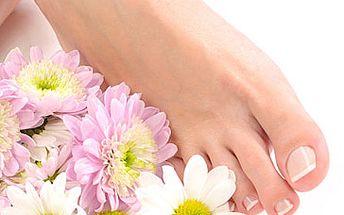 Mokrá pedikúra, relaxační koupel a masáž nohou za skvělých 139 Kč!