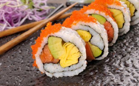 Čas na skvělé sushi! 73% sleva na speciální SUSHI SETY a 50% sleva na VEŠKERÉ SUSHI! Ochutnejte oblíbenou japonskou pochoutku v restauraci Arirang Sushi Grand na Vršovickém nám.!!