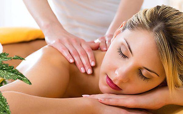 60minutová relaxační masáž s konopným zábalem