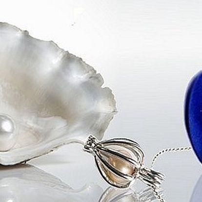 Perla přání přímo z perlorodky!V balení máte vše, co potřebujete!Konzervu s lasturkou a perlou, náhrdelník s přívěskempro její zasazení aklíčekpro vyjmutí perly!