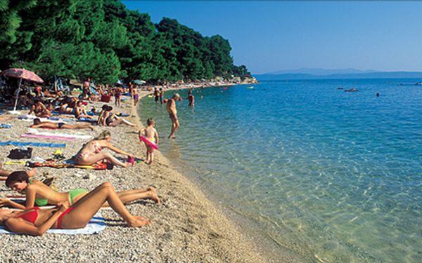 Makarská riviéra na 8 nebo 10 dní s polopenzí. Oblázkové pláže a křišťálově čistá voda ve středisku Podgora. Doprava vlastní nebo autokarem. Termíny v červnu.