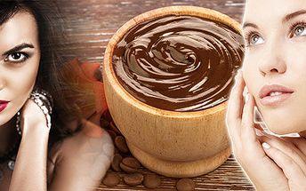 Hloubkové čištění pleti včetně úpravy obočí, aplikace vitamínových sér a čokoládového zábalu