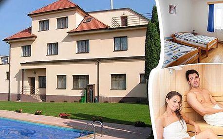 Relaxační pobyt na Vysočině pro 2 osoby na 3 dny v Hotelu Harmonie. V ceně polopenze, sauna, tenis a neomezený vstup do bazénu. Poznejte okolní zajímavosti - Sečskou přehradu, hrady, zámky, vydejte se na cyklostezky a odpočiňte si v krásné přírodě!
