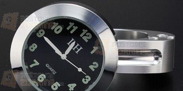 Analogové hodiny na motorku - chromované a poštovné ZDARMA! - 15508927