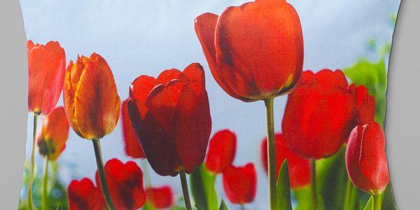 Dekorační polštářek s motivem tulipánů