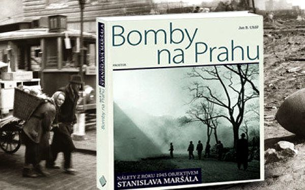 Ojedinělá fotografická publikace Bomby na Prahu