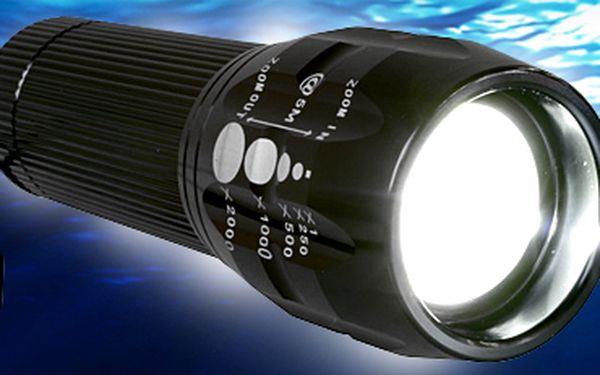 Nárazuvzdorná 3W LED svítilna se zoomem.