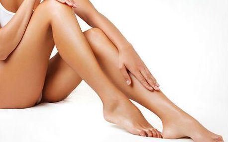Hladké nohy po několik týdnů: depilace teplým voskem