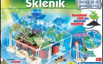 Skleník. Zasaďte semínko, vypěstujte rostlinku a pak si ji vylisujte do herbáře.