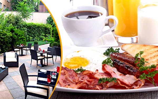 Neomezený snídaňový bufet v centru Prahy