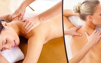Rekondiční masáž zad a šíje se zábalem z mořských řas a prohřátí lávovými kameny + masáž nohou