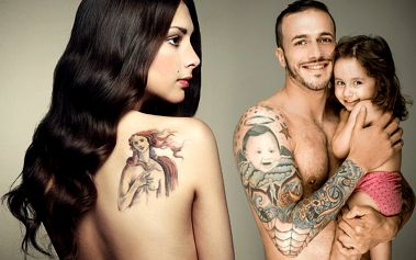 Profesionální tetování 9x9 cm s doživotní péčí v Praze v salonu Aries Tattoo