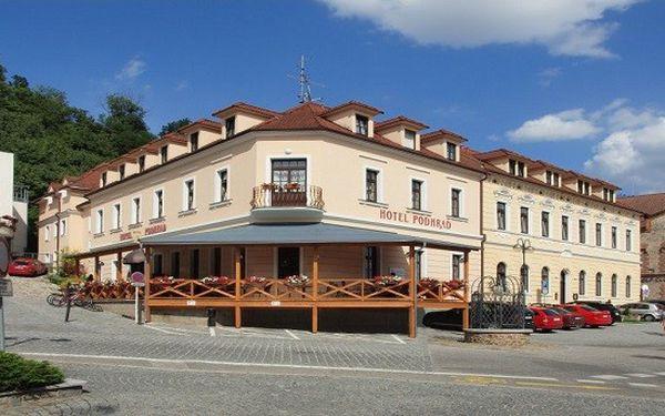 Tři dny v Hluboké nad Vltavou plné kultury s Alfonsem Muchou v hotelu Podhrad**** pro 2 osoby za skvělých 3890 Kč