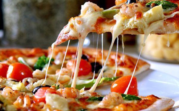 2x lahodná pizza a horké maliny se zmrzlinou akce!
