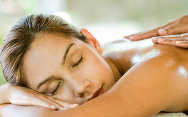 45 minutová celotělová relaxace, uvolnění a detoxikace. Kombinace masáže + zábal na celé tělo anebo parafínový zábal na ruce