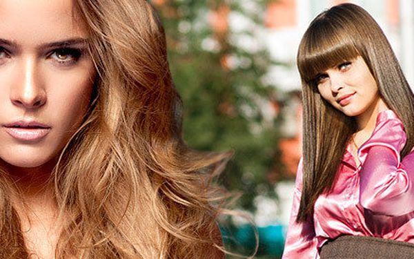 Šmrncovní účes v salonu Be You Hair