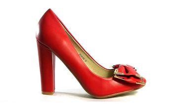 Dámské červené lodičky se zlatě lemovanou mašlí Shoes in the City