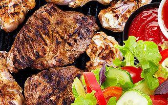 Obří Mix grill s masem a salátem až pro 4 osoby