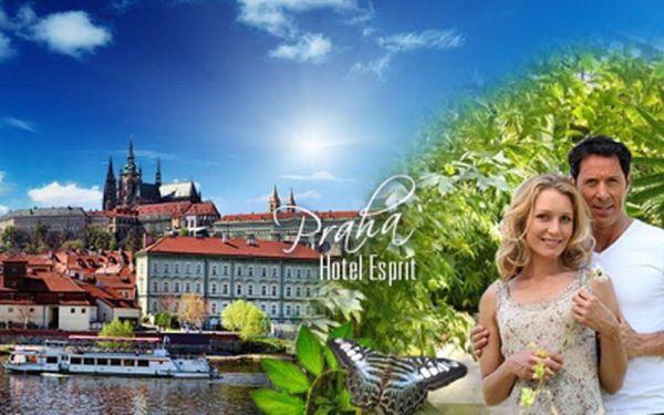 Romantika v Praze se vstupenkami do Botanické zahrady! 2 DNY pro 2 osoby včetně SNÍDANĚ a vstupenek od 799 Kč! Využijte skvělou nabídku Hotelu Esprit*** se slevou 57%!