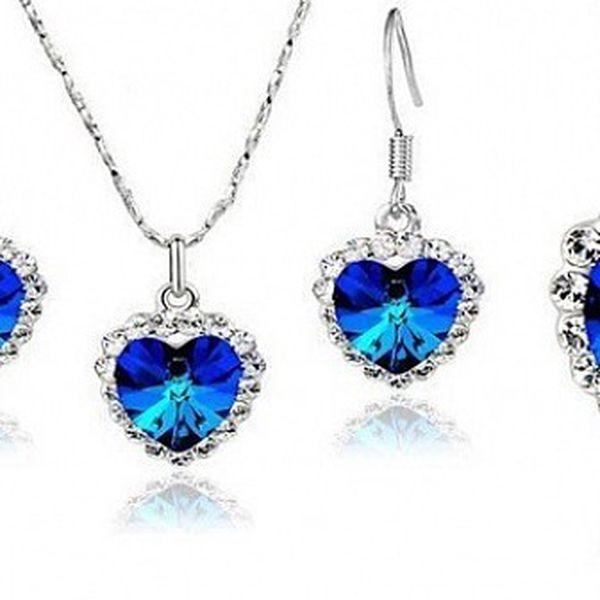 Luxusní sada náhrdelníku s náušnicemi z materiálu STANLESS METAL s krásně modrým srdcem a kamínky ve stříbrném provedení s řetízkem o délce 45 cm!