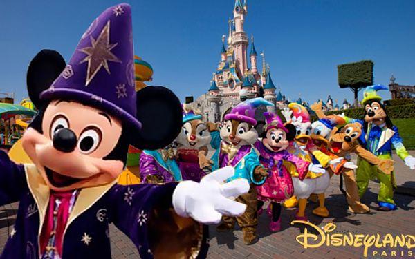 Kouzelný výlet do Disneylandu s fotopauzou Eiffelovy věže