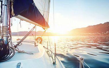Pobyty na jachtě na Orlické přehradě až pro 4 osoby.
