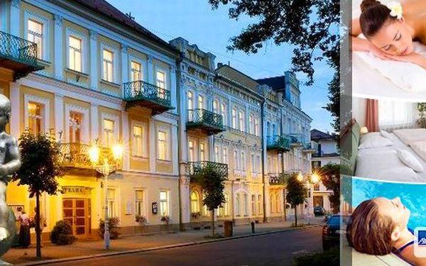 Luxusní wellness pobyt pro dva na 4 dny (3 noci) ve Františkových Lázních v Spa & Kur Hotelu Praha*** !! Výtečná polopenze, neomezený vstup do bazénu s protiproudem, pro oba spoustu wellness procedur, minerální pramen přímo vhotelu a další!