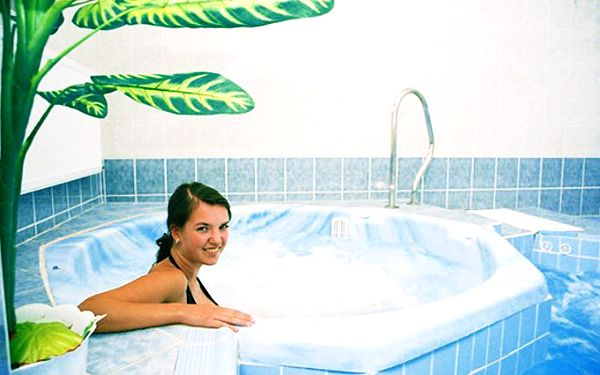 5denní léčebný lázeňský pobyt pro 2 v lázeňském domě Kurhaus Sevilla***
