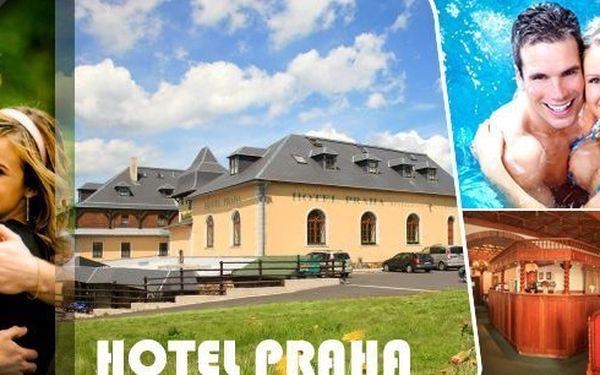 Luxusní pobyt v srdci Krušných hor v hotelu Praha na Božím Daru s polopenzí, neomezeně bazén s vířivkou, sauna, bowling, projížďka po jezeře a další bonusy! Parádní zábava a zážitky v krásném prostředí!Děti do 6 let zdarma včetně stravy!