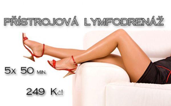 PŘÍSTROJOVÁ LYMFODRENÁŽ: Permanentka na 5x 50 minut pro štíhlé nohy bez celulitidy! Jedna návštěva za neuvěřitelných 50 Kč! Ošetření špičkovým přístrojem Pneuven Relax s účinnou břišní manžetou! Oblíbený salon The One Wellness Club Brno!