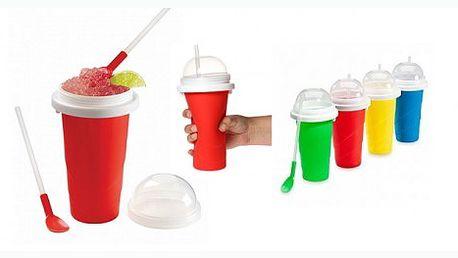 Kouzelná pomůcka, která promění každý nápoj na ledovou tříšť. Vložte kelíme do mrazáku a poté do něj nalijte oblíbený nápoj, promačkejte a ledová tříšť je na světě!
