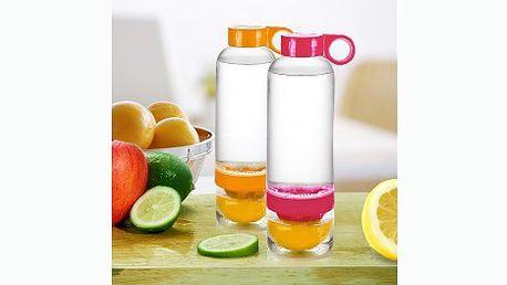 Praktická láhev na výrobu citronád, vybírat lze ze tří barev! Stačí vymačkat šťávu z poloviny citrusu a dolít vodou.