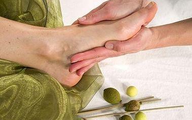 Wellness olivová pedikúra s lázní nohou v mořské ...