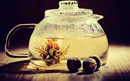 Kvetoucí čaj: balení mixu 16 druhů výtečných čajů