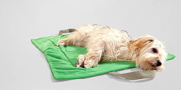 Měkká a hřejivá deka pro zvířata vhodná na cesty, 2 v 1 - deka a taška