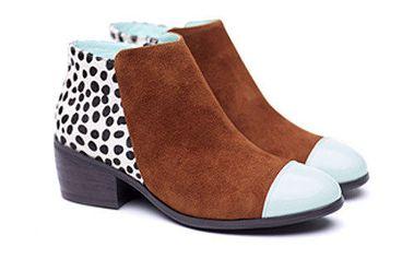 Dámské kotníkové boty s puntíky Shoe the Bear