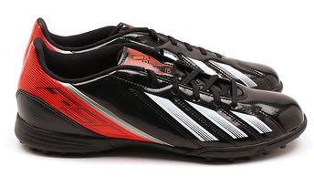 Pánské kopačky s lesklými detaily Adidas